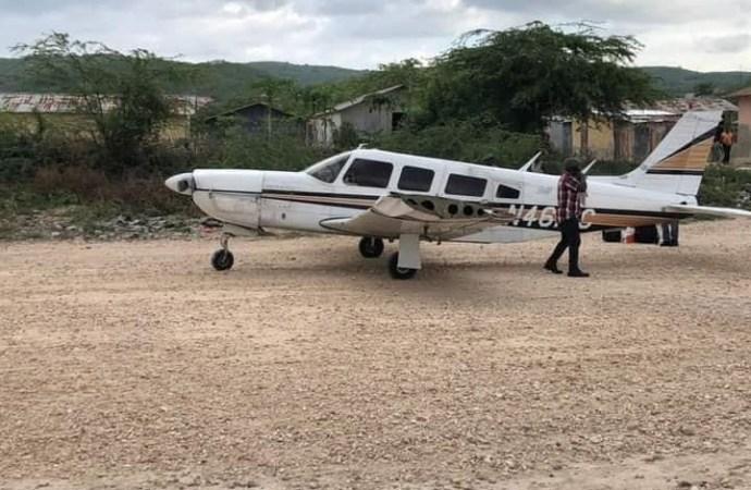 La Gonâve : deux jeunes motocyclistes blessés après avoir percuté un avion au moment de son atterrissage