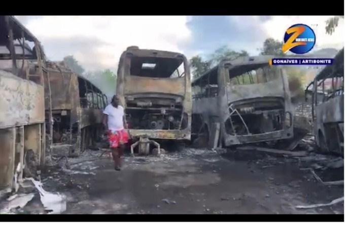 """Incendie des locaux de l'entreprise """"Le Transporteur Haïti"""" aux Gonaïves"""