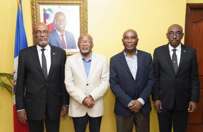 Ariel Henry et des anciens Premiers ministres discutent de la situation d'Haïti