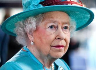 La Reine Elizabeth II rejette le prix « Oldie of the year » attribué pour sa vieillesse