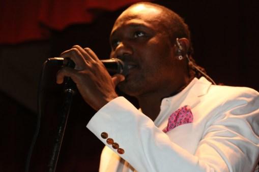Lead Vocalist: Edersse Stanis (Pipo), KLASS
