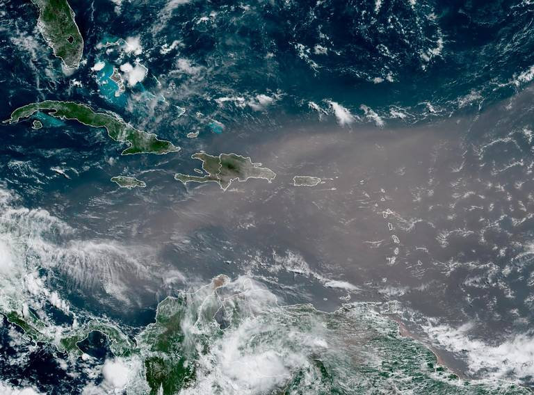 Record Saharan dust plume cloaks Caribbean as health warnings issued. Miami may dodge worst