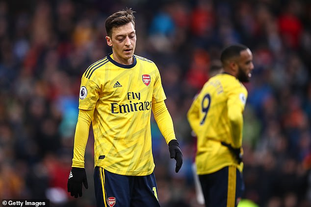 Arsenal misfit Mesut Ozil turns down a move to Fenerbahce