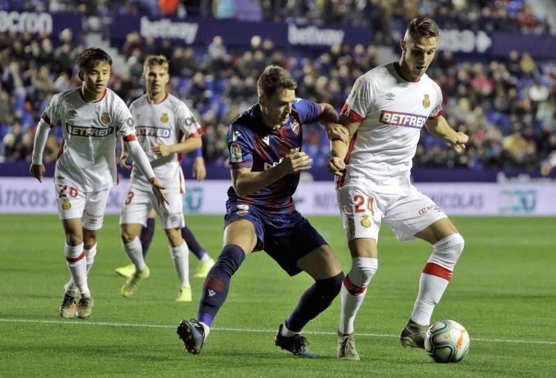 Betting companies banned from La Liga shirt sponsorship