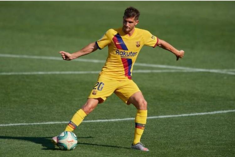 Manchester City pushing for Barcelona right-back Sergi Roberto