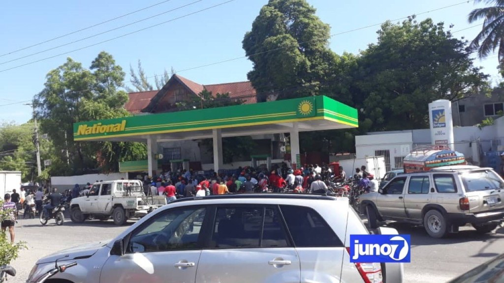 President Moïse asks fuel bosses to lower kerosene and diesel prices