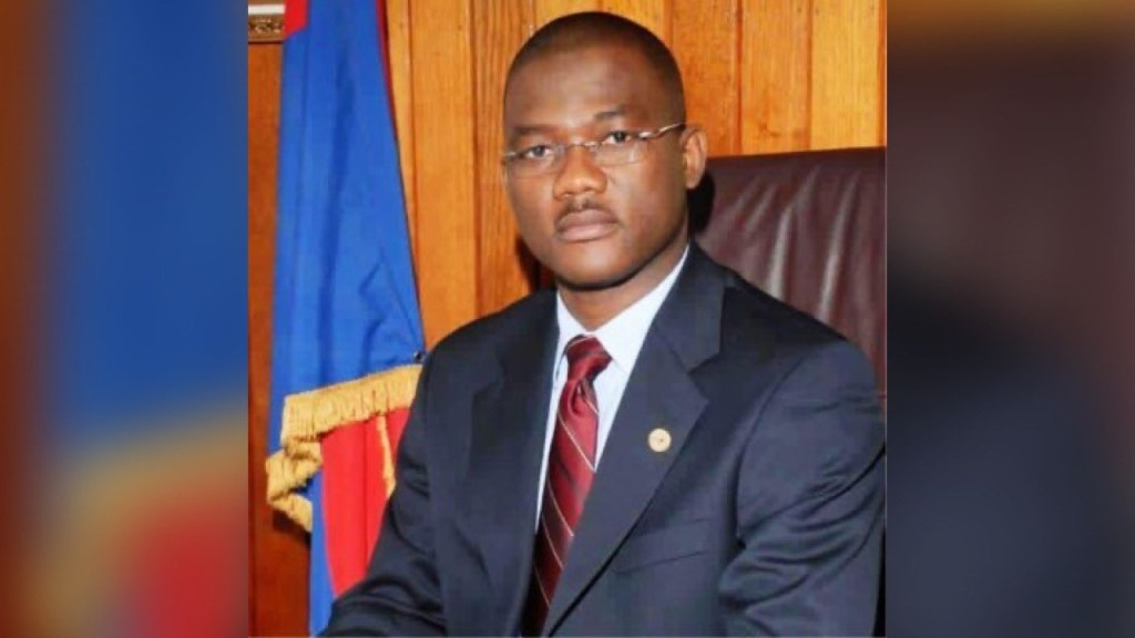Ex-president of the senate leaves Haiti's Democratic party