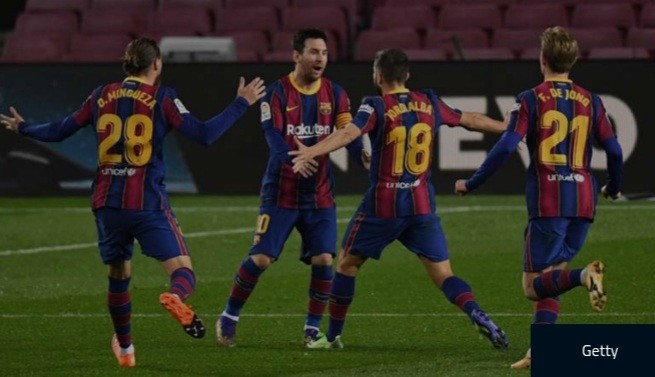 Messi equals Pele's one-club scoring record with 643rd Barcelona goal