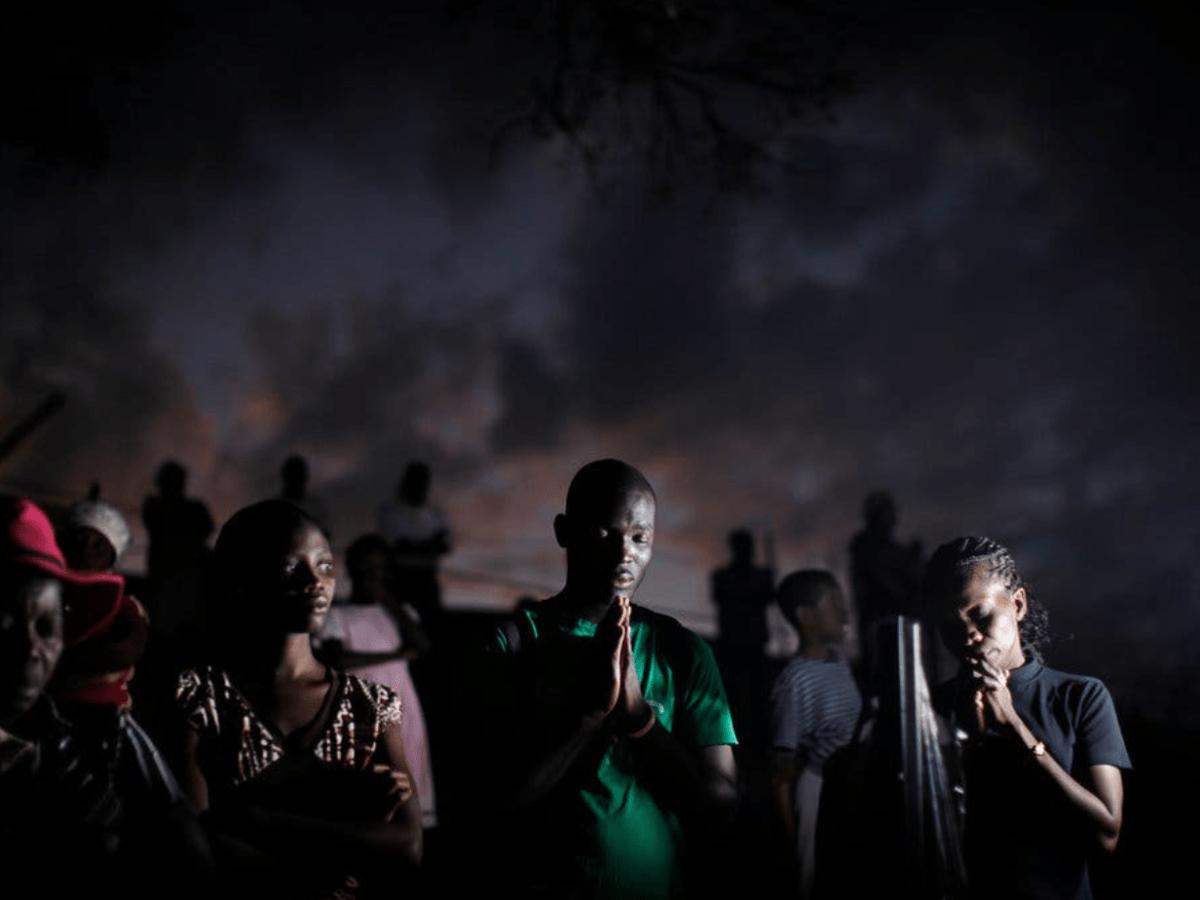 haitians in prayer, prayer for haiti, haiti prayer vigil, haitian christians, haitian catholics, haiti news, Haiti in crisis