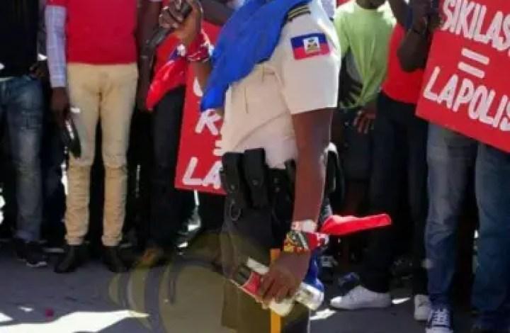 Haïti -PNH : L'administration Moïse-Jouthe admet le droit des policiers de syndiquer 1