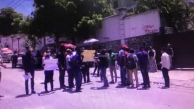 Photo de Des enseignants paralysent la circulation à Nazon