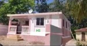 Remise des clés d'une maison par l'État haïtien aux parents de Nérilia Mondésir 1