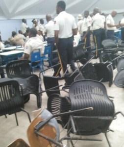 Des agents 4 de la PNH ont boycotté un examen pour devenir inspecteur... 1