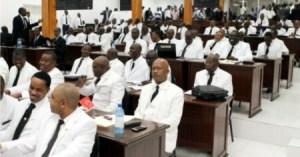 Des députés demandent l'arrêt de la  séance sur la présentation de la politique générale du PM nommé 1