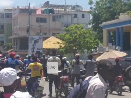 Saint-Marc (Artibonite) : des conducteurs de taxi moto menacent de boycotter les activités scolaires