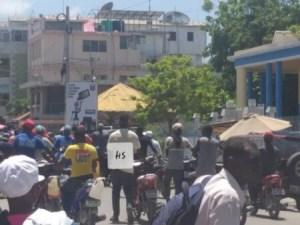 Saint-Marc (Artibonite) : des conducteurs de taxi moto menacent de boycotter les activités scolaires 1