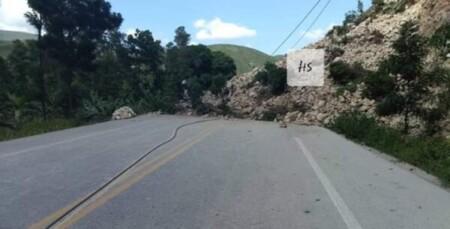 Intempéries : la Route nationale numéro 1 est bloquée dans la commune d'Ennery (Artibonite)