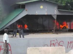 """Port-au-Prince : une personne tuée par balle au Champ de mars, des militants """"tèt kale"""" accusés 1"""
