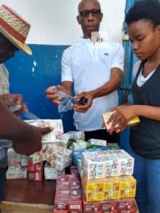 Anse-à-Veau (Nippes) : distribution de kits hygiéniques et de plats chauds à la prison civile 1