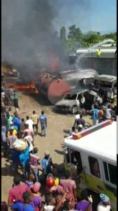 Carrefour (Ouest) : incendie dans un entrepôt de carburant 1