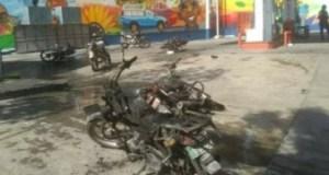 Plusieurs blessés et 6 motocyclettes incendiées dans une station-service à Pèlerin 1e, dans la commune de Pétion-Ville