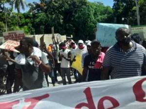 Carrefour (Ouest) : des manifestants réclament le départ du Maire Jude Édouard Pierre
