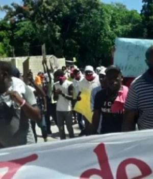 Carrefour (Ouest) : poursuite des manifestations pour réclamer la démission de l'agent exécutif intérimaire
