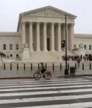 La cour Suprême des États-Unis refuse l'accès des immigrants illégaux à la résidence permanente