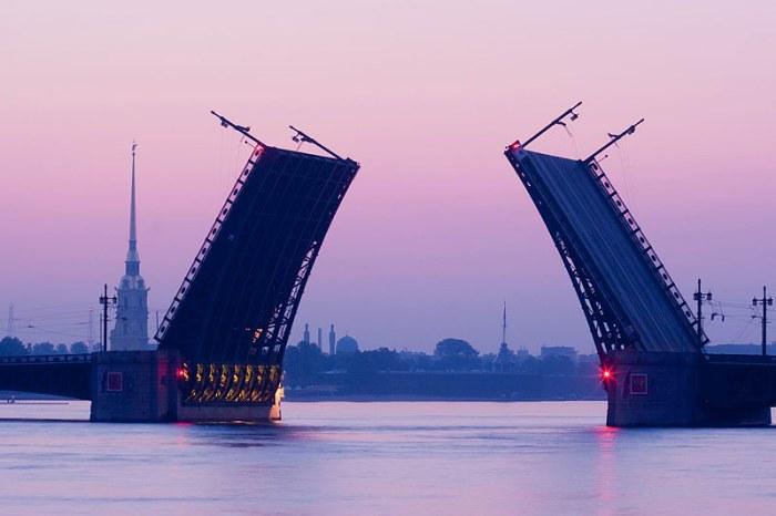 palace-bridge-in-st-petersburg.jpg