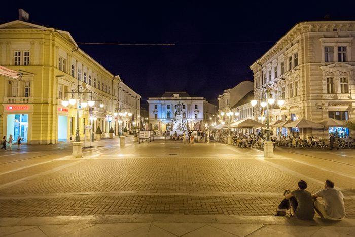 szeged centre ville pieton nuit hongrie