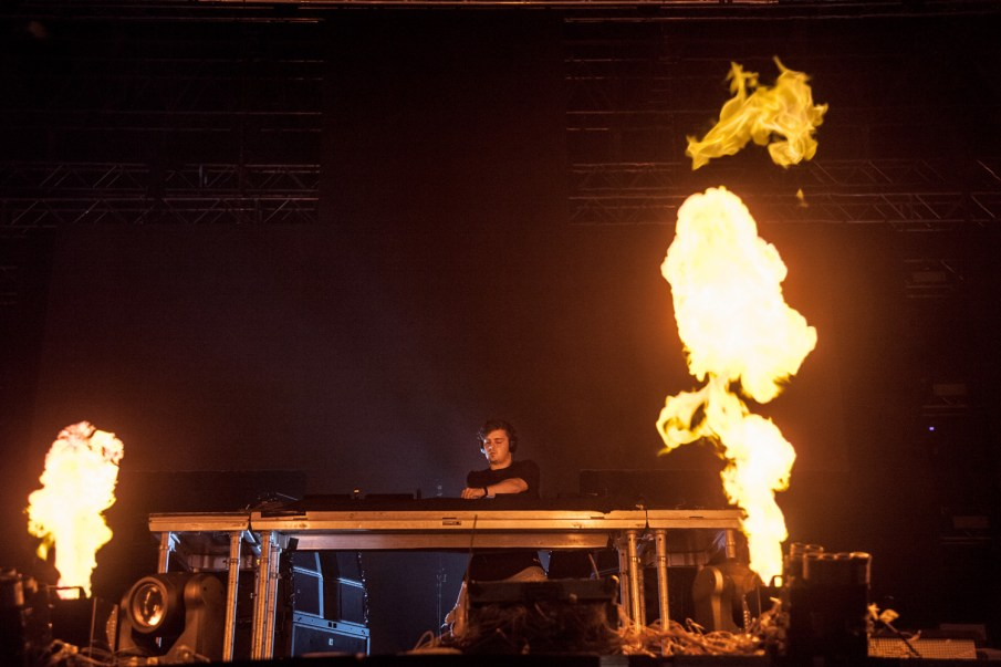 exit festival martin garrix feu