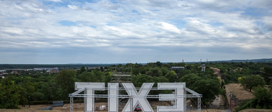En images : les préparatifs du festival Exit