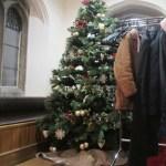 イギリス・ケンブリッジ大学のクリスマスの過ごし方!ディナー料理の前に例によってはっちゃけています。