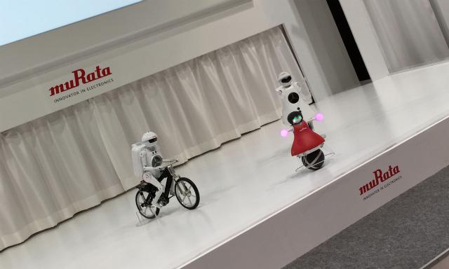 muRataのロボットチアリーディング