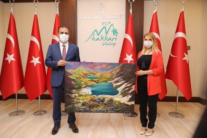 Ressam ve Küratör Uyanık'tan Vali Akbıyık'a ziyaret