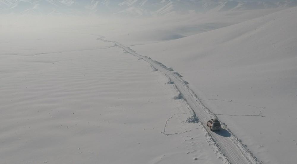 Sağlık ekipleri Süphan Teyze için karlı dağları aştı