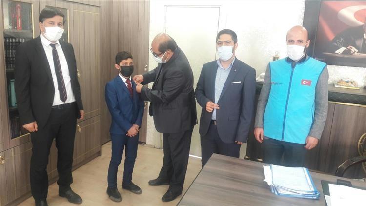 Türkiye Diyanet Vakfı, bölge birincisi öğrenciyi ödüllendirdi