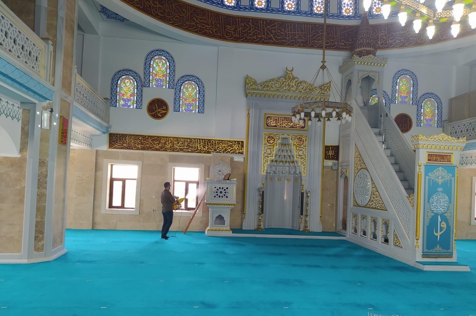 Hakkari'de camiler dezenfekte edildi