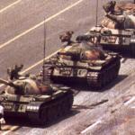 天安門事件を認めない中国政府は、南京虐殺を認めない日本政府と同じアル。これでよろしアルね?