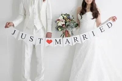 結婚カップル画像