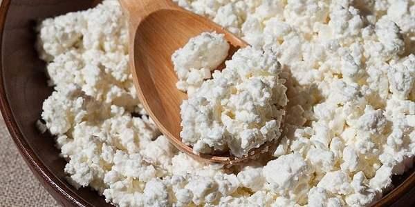 تحضير جبنة قريشة بيضاء وكيفية صناعة جبنة القريش في المنزل