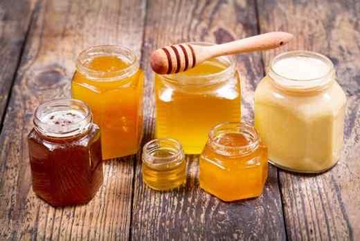 نكهات وألوان مختلفة للعسل