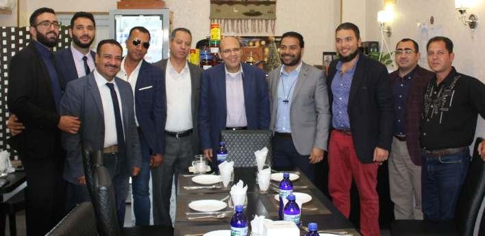 صورة تذكارية مع السفير بهاء دسوقي