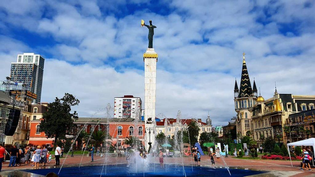 أفضل الأماكن في باتومي جورجيا - ساحة أوروبا