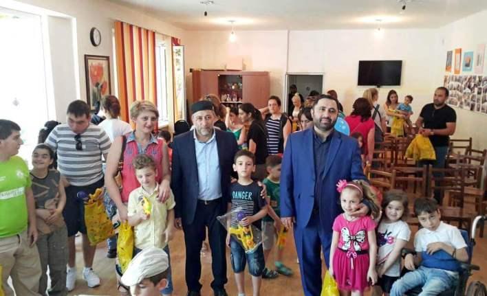 ياسين علييف اليوم العالمي للطفل مفتي جورجيا