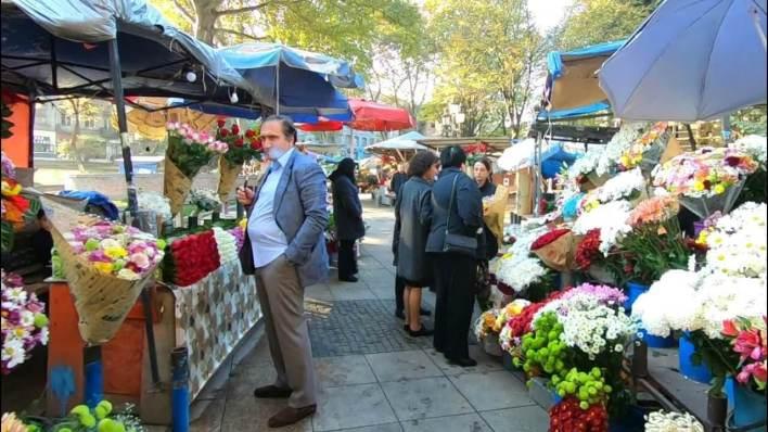 سوق الزهور القديم في ساحة أوربيلياني قبل التطوير
