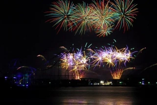 横浜開港祭の花火 時間と場所・混雑状況