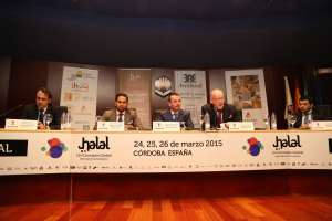 From left to right: Nestor Montoya, responsible for Corporate Banking of Attijariwafa Bank, Sayd Farook, responsible for Thomson Reuters Islamic Capital Markets, Ángel José Del Río, Commercial Division of Aresbank, Daud Vicary Abdullah, president and CEO of INCEIF y José María Fuentes, director of Kernel Investment Group Investments.