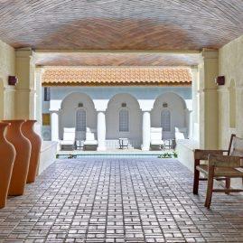 05 - Courtyard Spanish corridor