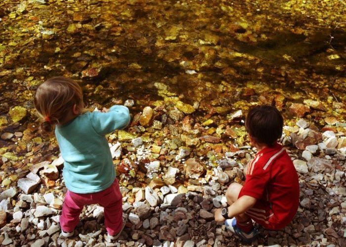 Piedra va, piedra viene ¡cómo mola el río!